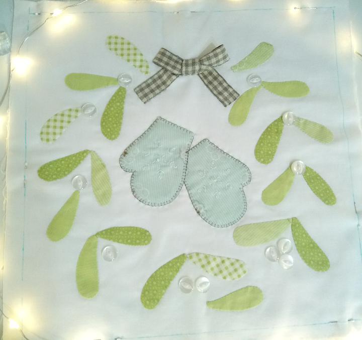 Mistletoe and mittens by Honeybee Cloths